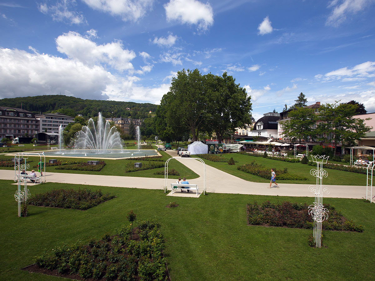 bad-kissingen-heitere-tage-in-der-kurstadt-rosengarten-167371963.jpg